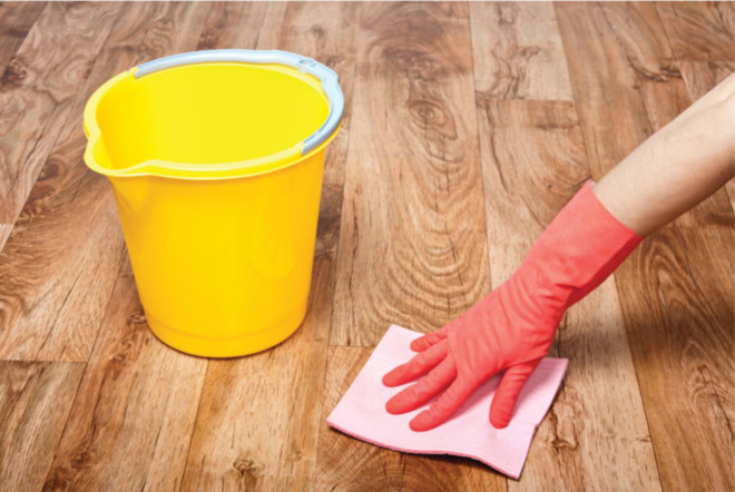 Мыть пол с нашатырным спиртом